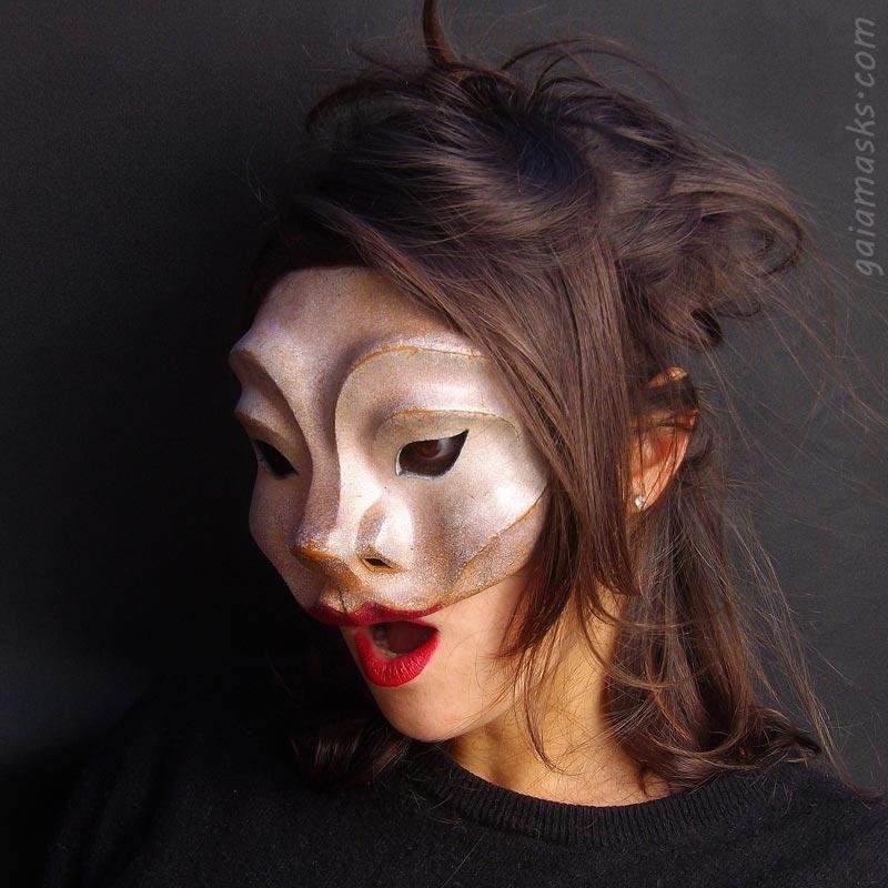 maschera in cuoio Meretrice