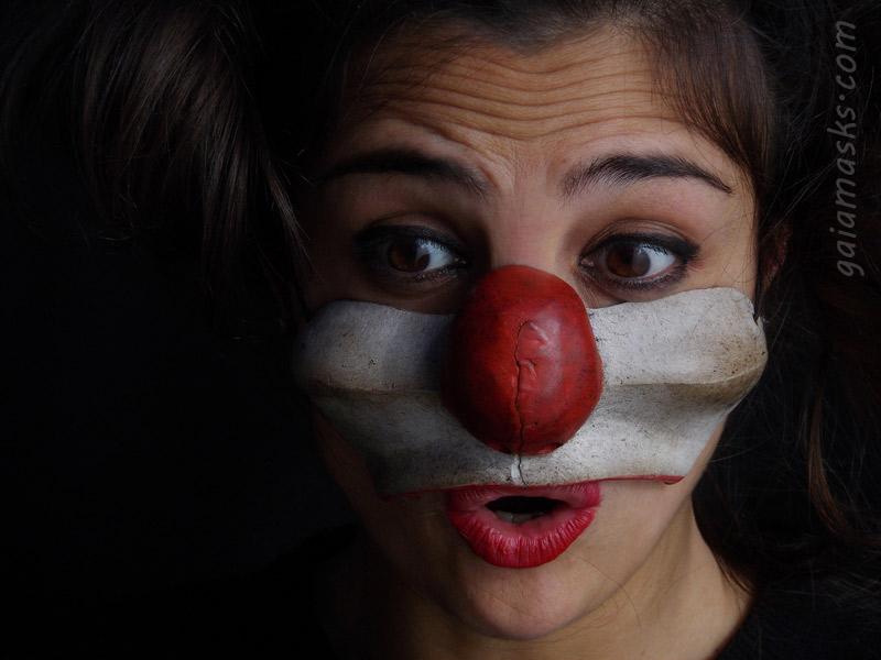 maschera in cuoio clown Sostenuto