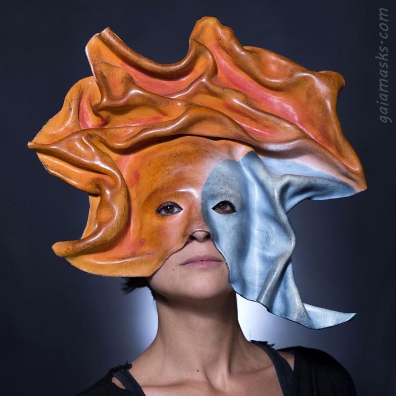 maschera decorativa in cuoio sole luna
