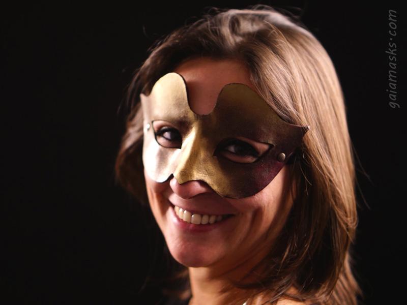 Vanesia ball mask