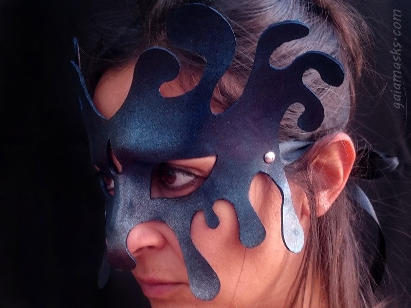 maschera in cuoio acqua tempesta