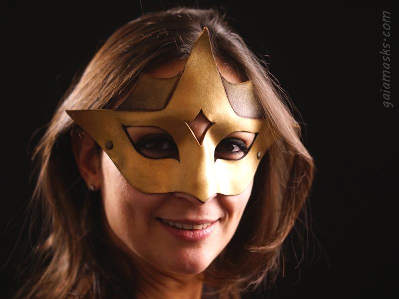 Astro maschera in cuoio