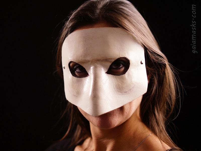 Maschera in cuoio Bautta