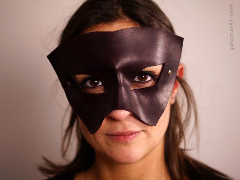 maschera in cuoio soldato
