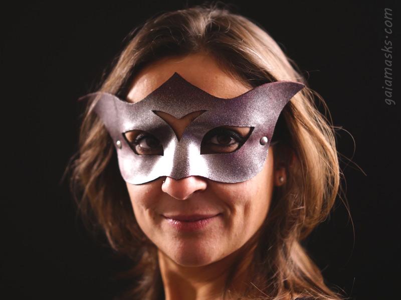 Curiosa ball mask