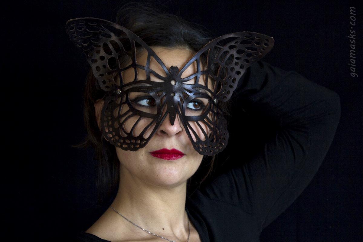 Farfalla Maschera Traforata in cuoio