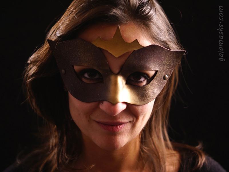 Fenice maschera in cuoio