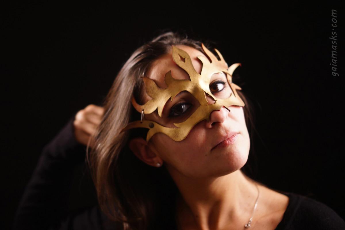 maschera in cuoio dei quattro elementi Fuoco