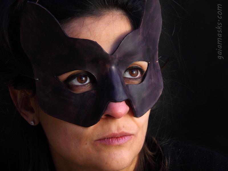 maschera in cuoio Micio Nero