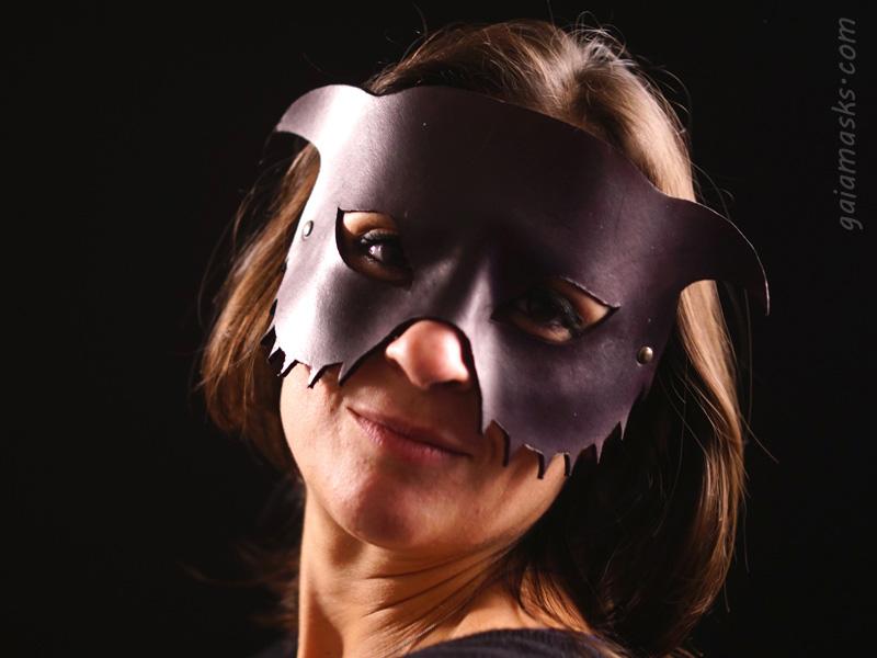 maschera in cuoio Gatto della strega