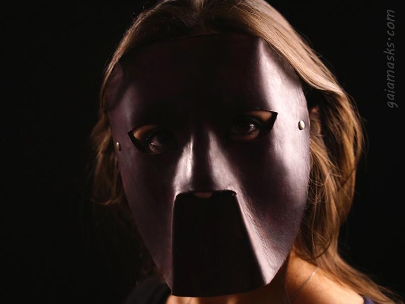 maschera in cuoio boia