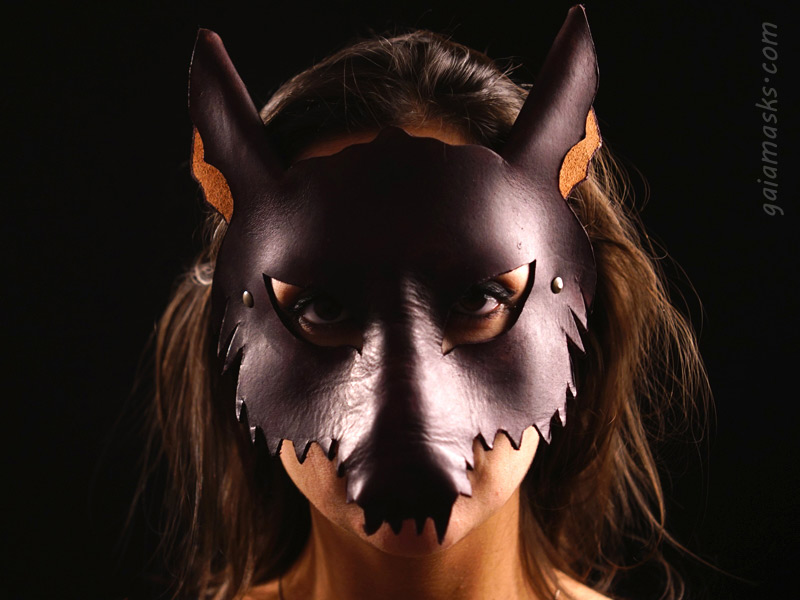 Maschera lupo in cuoio
