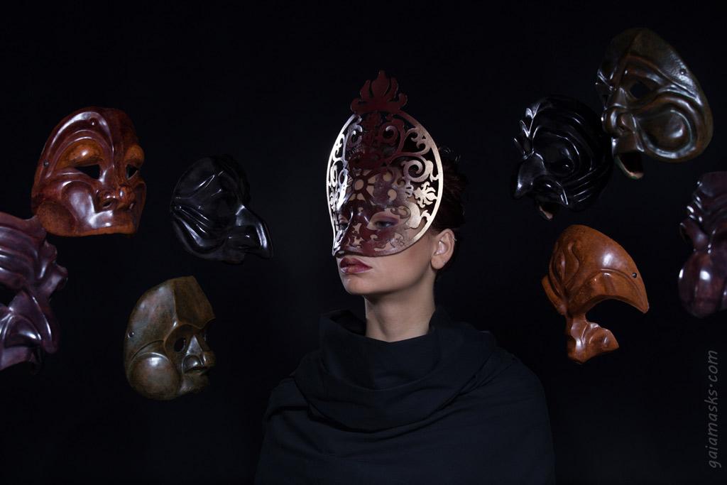 Progetto Moda con Maschera Traforata Papessa