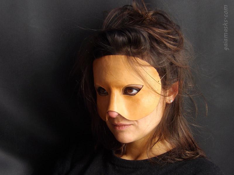 maschera leggera neutra