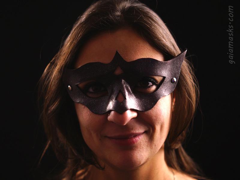 Notturna ball mask