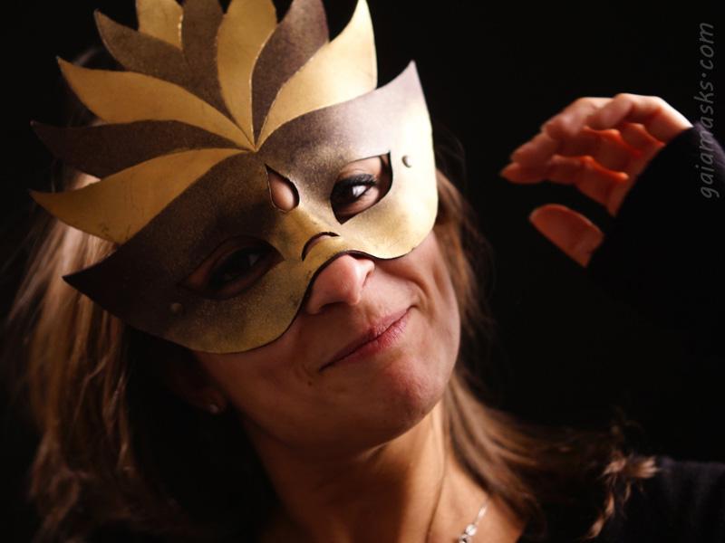 Regina maschera in cuoio