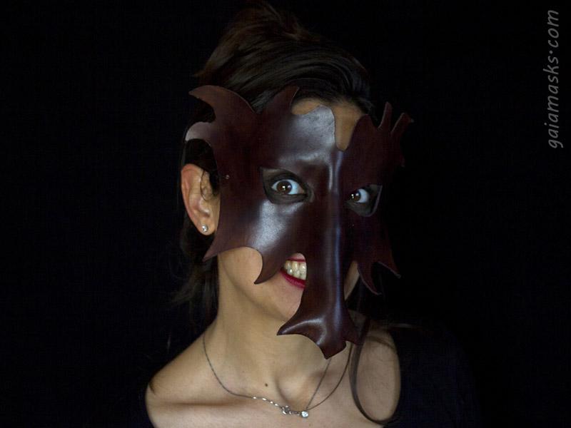maschere Drago in cuoio