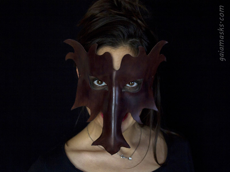 maschera in cuoio Drago