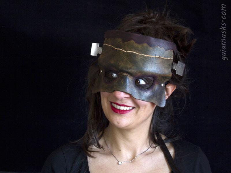 maschera Frankenstein in cuoio