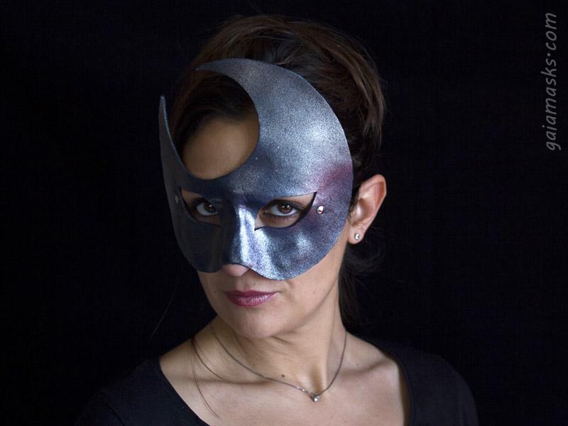 Luna ball mask