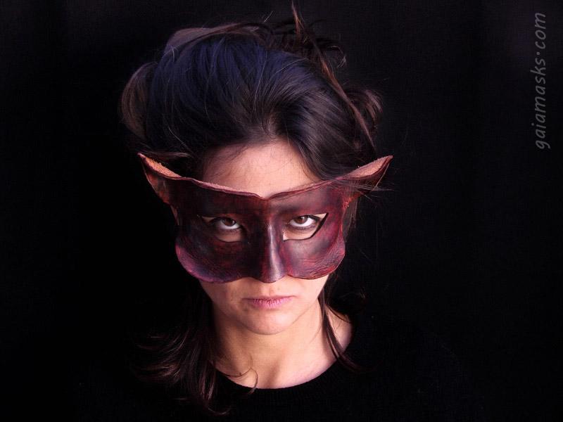 maschera in cuoio mostriciattolo