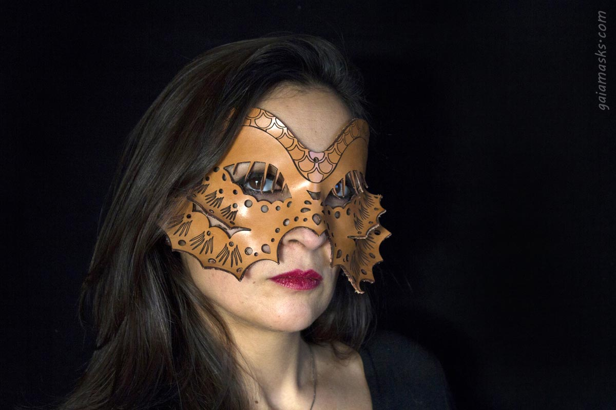 Pesce maschera tagliata con laser