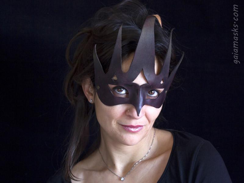 Re maschera in cuoio