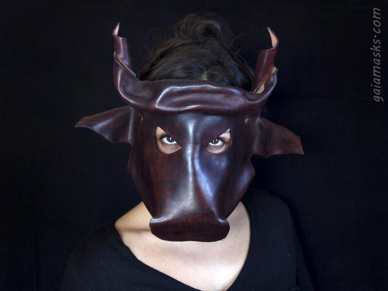 maschera in cuoio Toro