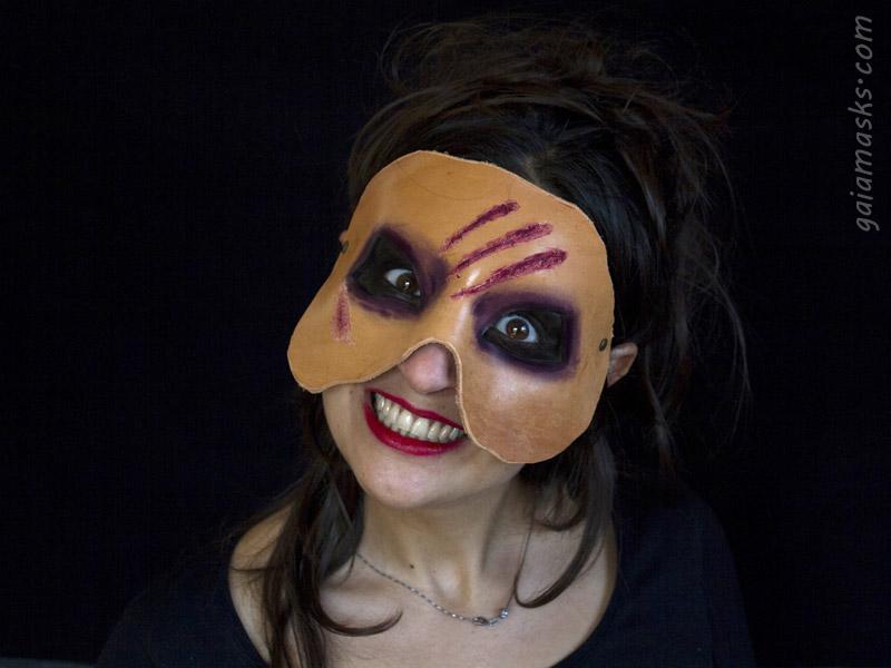 Maschera in Cuoio Zombie con Graffi