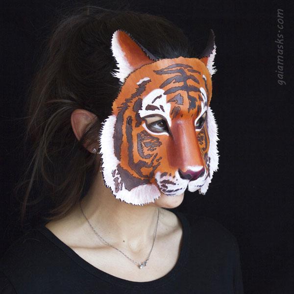 Tigre maschera in cuoio