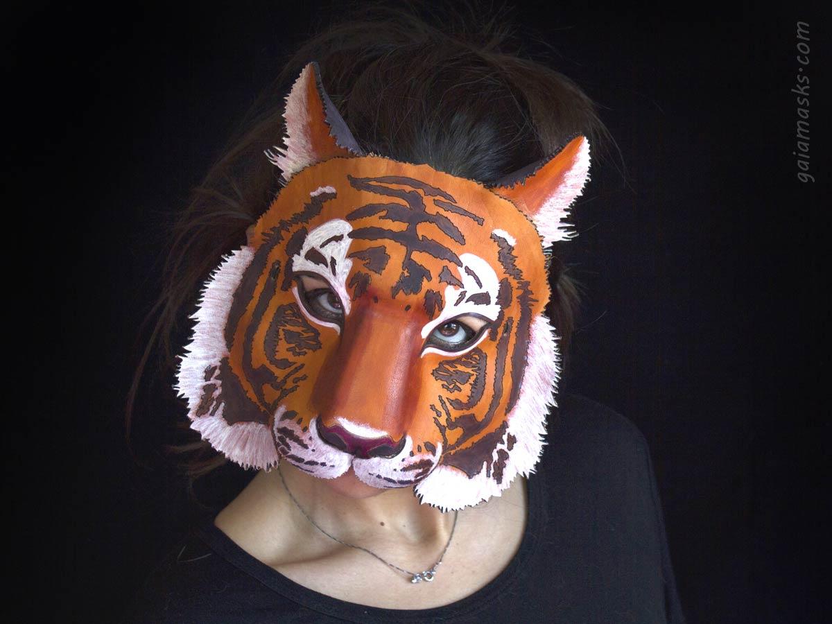 Maschera di Tigre in cuoio