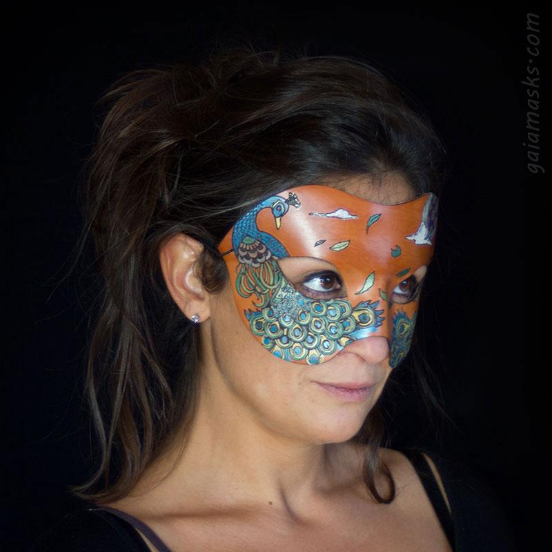 Pavone maschera in cuoio metallizzata