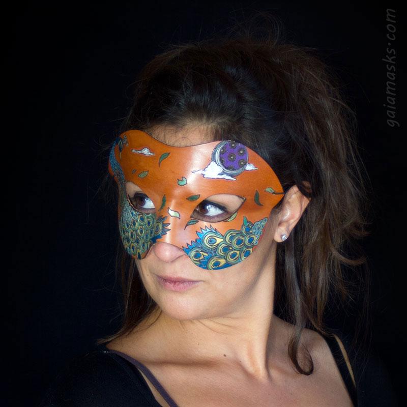 Pavone ball mask