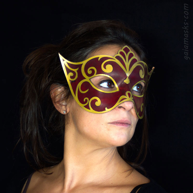 Veneziana maschera in cuoio oro