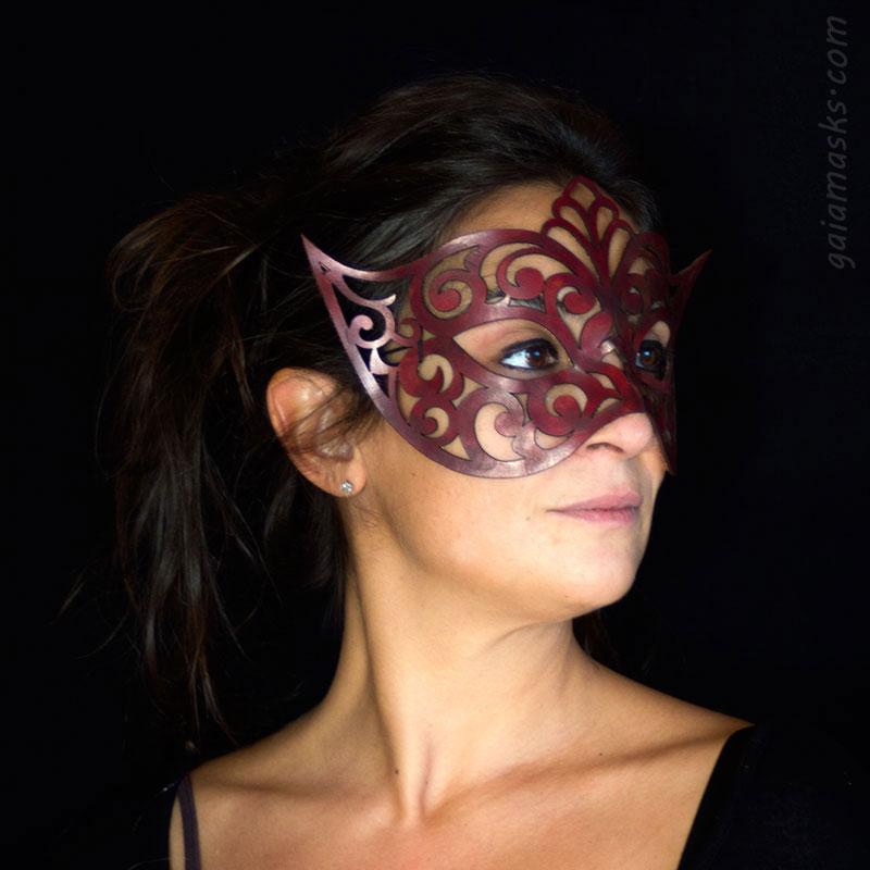 maschera traforata in cuoio Venezia